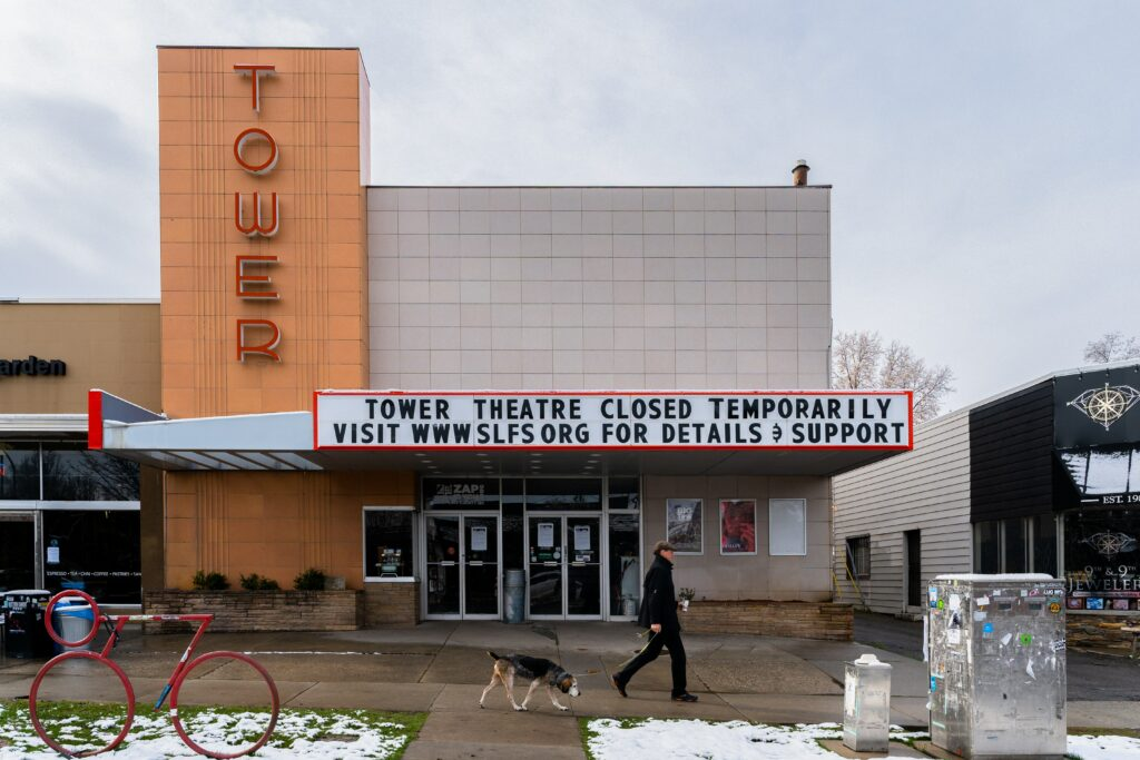 Governor Cuomo Sets Unrealistic Goal for Independent Theater Owners